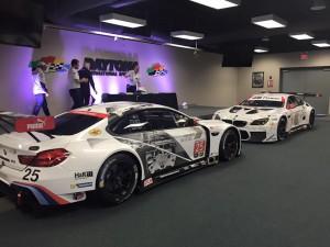 Depois de participar dos treinos com o carro preto, a BMW apresentou olayout que será usado na corrida